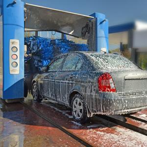 Schraub - Blindniete in Autowaschanlage