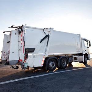 Blindnietschrauben in Müllentsorgungsfahrzeug