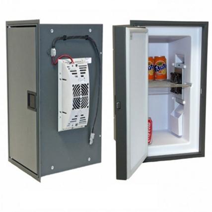 Flacher Einbauverschluss in einem Einbaukühlschrank