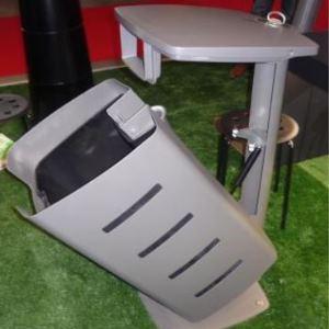 Gasdruckdämpfer in Mülleimer