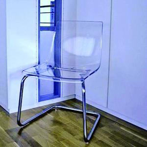 Einsatz von Magazin-Blindnieten in einem Stuhl