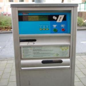 Federscharniere in Parkscheinautomat