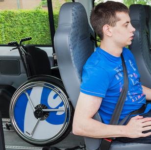 Einsatz von fernbedienbaren Verschlüssen zur Rollstuhlsicherung