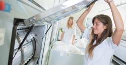 Stangenscharnier in Waschmaschine